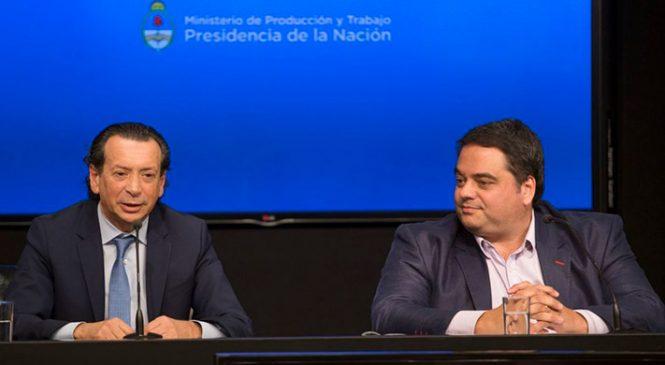 Denuncian a Triaca y Sica por negociar con seguros en los sindicatos intervenidos