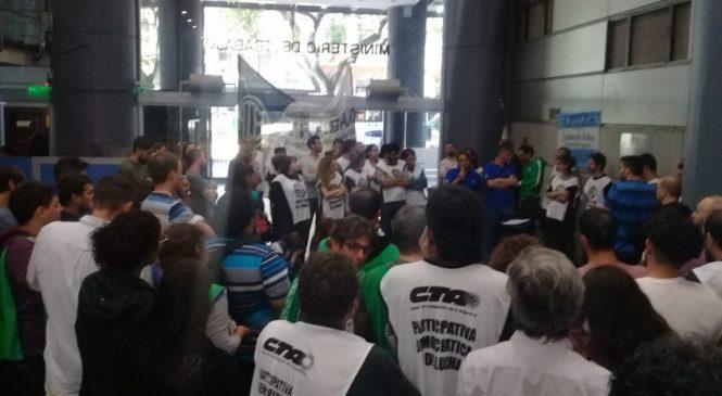 Conflicto en Trabajo ante vaciamiento del área de Sistemas y 37 despidos