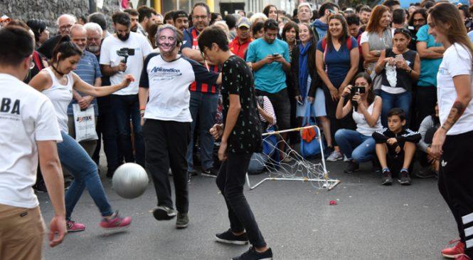 Pascuas en la calle por los despidos en Clarín