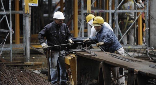 """Proyecto de """"blanqueo"""" laboral, una vía para recortar derechos"""