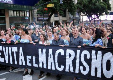 Cien Evitas contra el macrismo