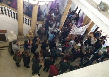 CNEA movilizó en la puerta de la Sede Central