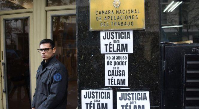 Acampe ante la Cámara Nacional de Trabajo contra nuevos despidos en Agencia Télam