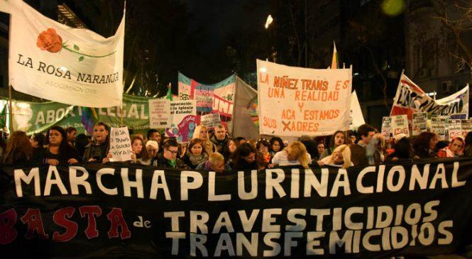 Marcha contra los travesticidios y transfemicidios