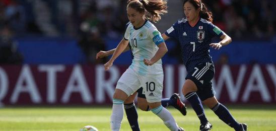 Por cuestiones extrafutbolísticas marginan a Estefanía Banini y otras figuras del seleccionado femenino