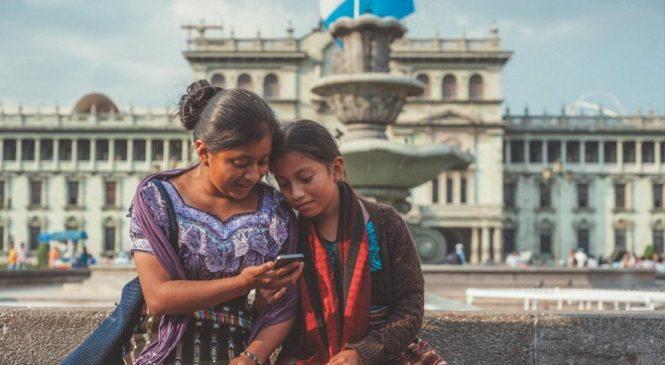 """Guatemala: La conspiración de facebookeros mayas """"semianalfabetos"""""""