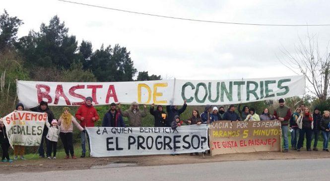 Tigre: el frío no dispersa la protesta en Villa La Ñata