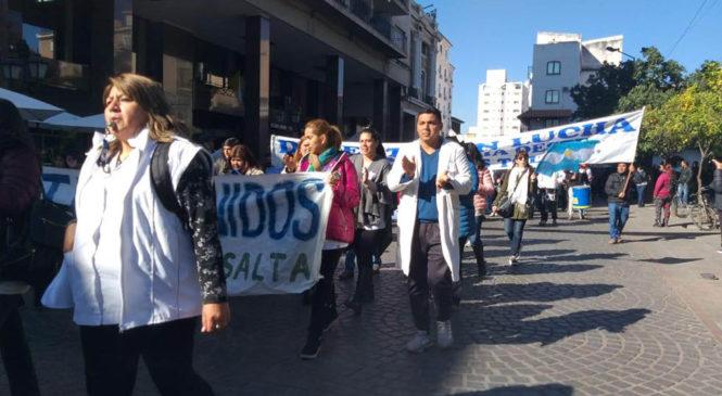 Salta: sin acuerdo, continúa huelga docente y gobierno amenaza con llamar suplentes