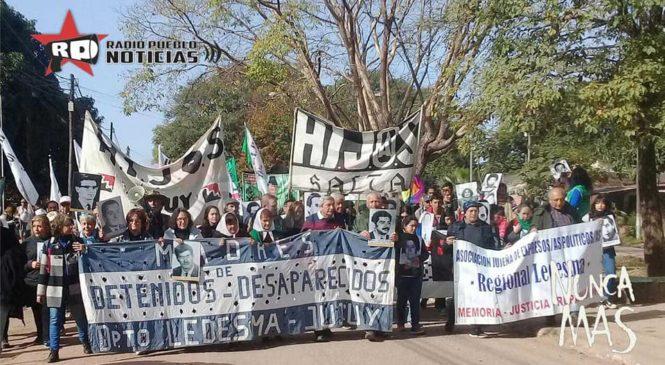 La memoria intacta: multitudinaria marcha en memoria a los compañeros por la Noche del Apagón