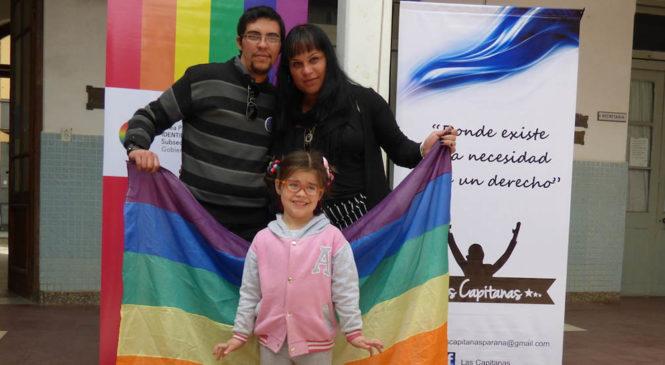 Papá y mamá trans: la historia de la familia argentina que llegó a cómic