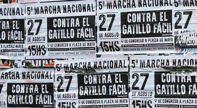 Efectivos policiales hostigaron a militantes que difundían la Marcha contra el Gatillo Fácil