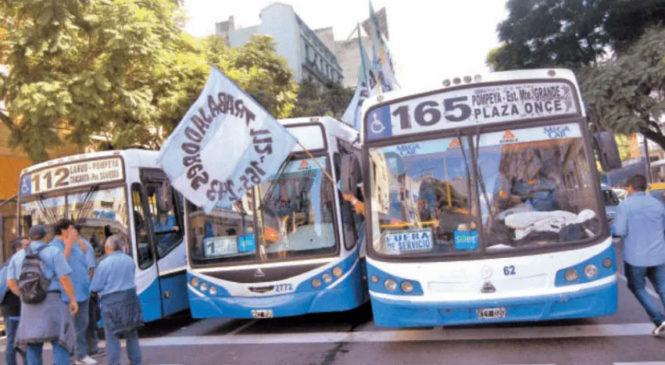 Cada vez más empresas de colectivos urbanos corren riesgo de desaparecer