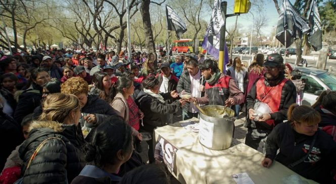 Mendoza: Cornejo criminaliza a manifestantes que reclamaban la Emergencia Alimentaria