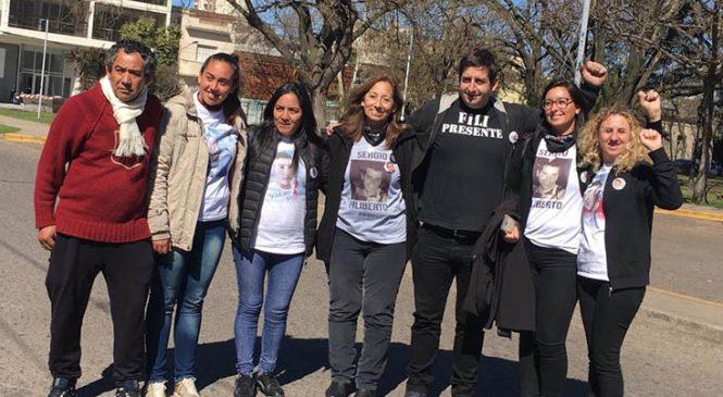 Declararon familiares de las víctimas y apuntaron a la inacción de los policías