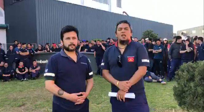 Los trabajadores de Kimberly-Clark ocuparon la planta frente al anuncio de cierre