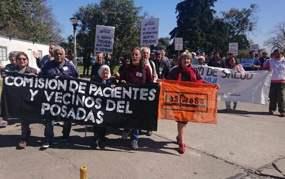 Una nueva ronda en el Posadas manifestó la solidaridad con los residentes y exigió el pago de los salarios adeudados