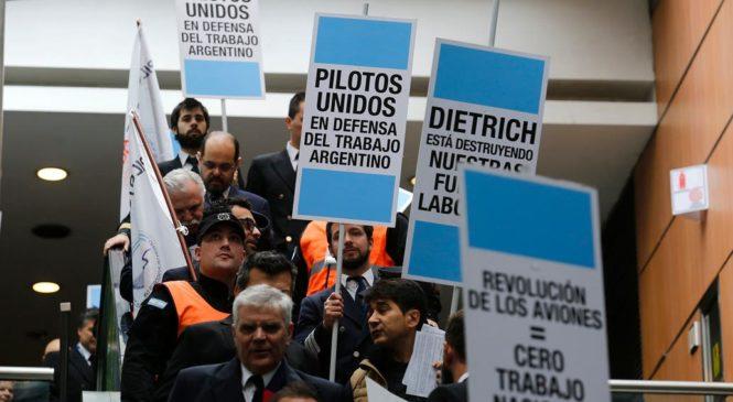 Pilotos ratifican paro de 48 horas