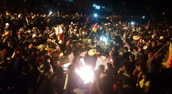 Bolivia: Cocaleros de Cochabamba dan 48 horas de plazo para que renuncie la presidenta de facto
