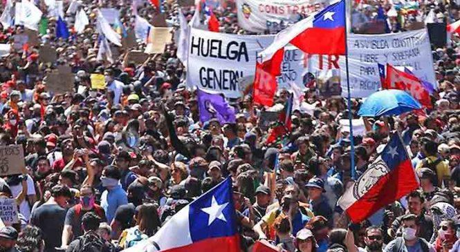 Marchas y paro nacional abren nueva semana de protestas en Chile