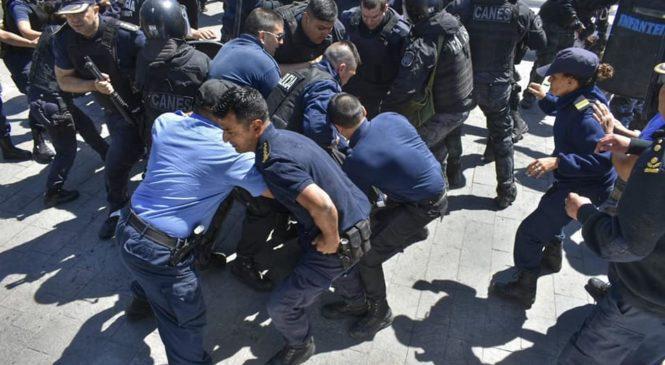 Paro nacional de CTERA tras represión y detención del Secretario General de ATECH