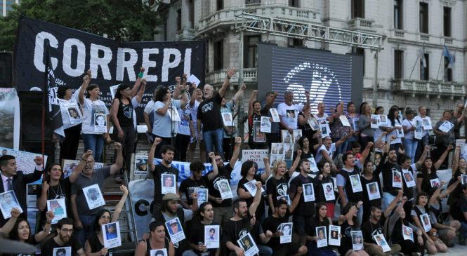 """""""El pueblo trabajador demanda, además de con el hambre y la miseria, terminar con la represión"""""""