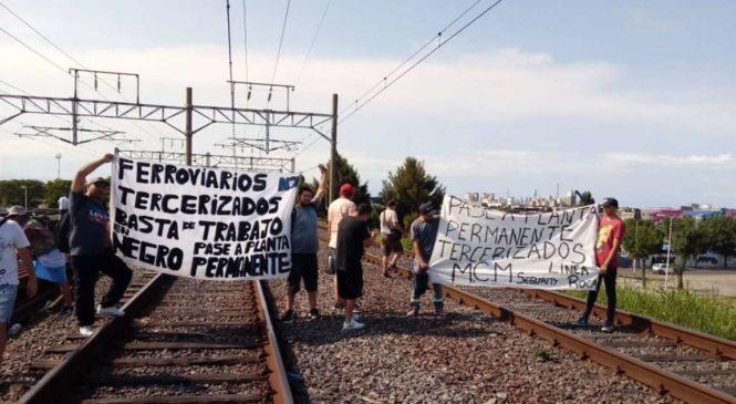 Patota atacó a trabajadores y trabajadoras despedidos del Tren Roca, el Belgrano Norte y Sur