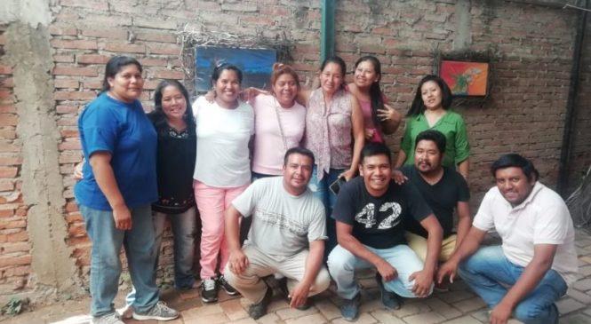 Docentes originarios bilingües se asocian para defender derechos