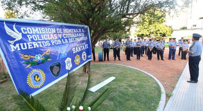 Santa Fe: banda policial musicalizó acto pro dictadura frente al Ministerio de Seguridad