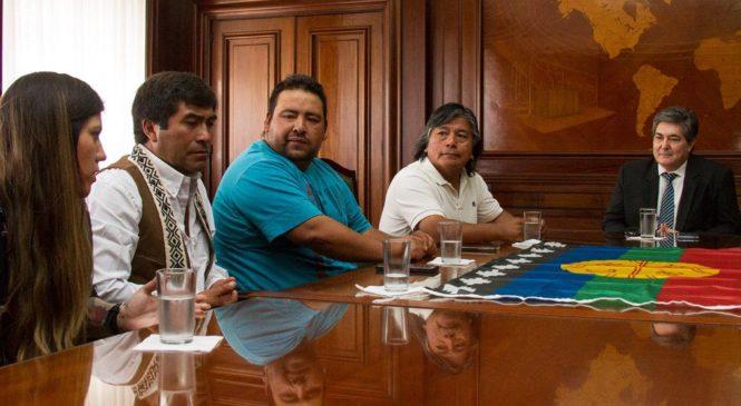 Nación acordó una mesa de diálogo con las comunidades de Vaca Muerta