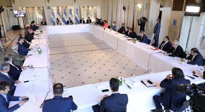 Guzmán anunció propuesta de reestructuración de deuda: tres años de gracia y fuerte baja de intereses