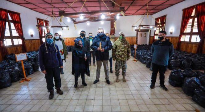 Río Negro: cinco comunidades mapuches con el ministro de Defensa en busca de la propiedad comunitaria