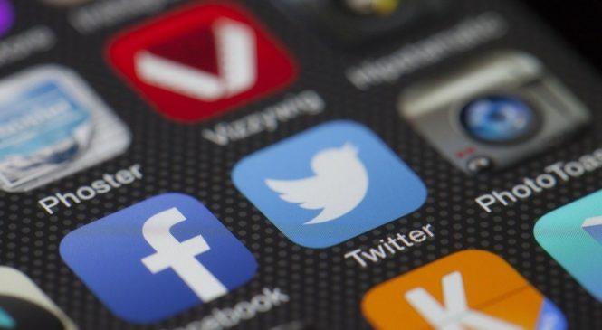 ¿Cómo pasaron Facebook y Twitter de motores de la primavera árabe a altavoces de la ultraderecha?