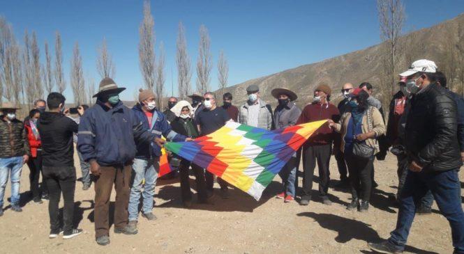 """Catamarca: corte de ruta de comunidades diaguitas en rechazo al proyecto hidroeléctrico """"Toro Yaco"""""""
