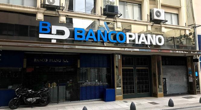 Denuncian que Banco Piano oculta los positivos en sus sucursales
