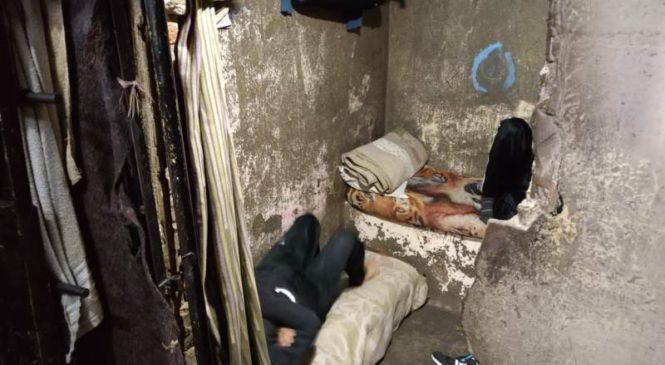 Cuevas inhumanas: hacinamiento récord en comisarías bonaerenses