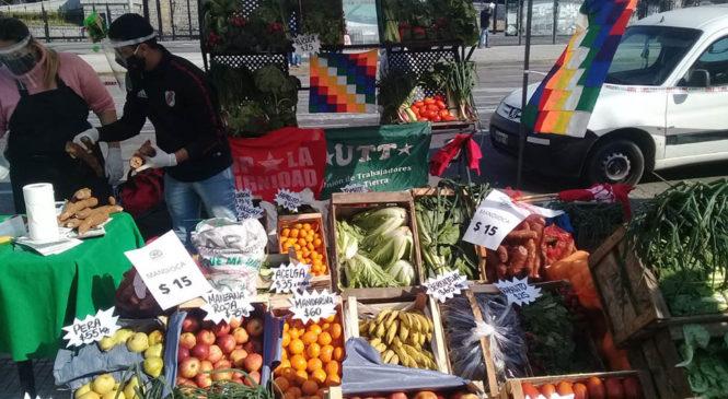 Cooperativistas realizaron feria agroecológica para visibilizar los reclamos del sector