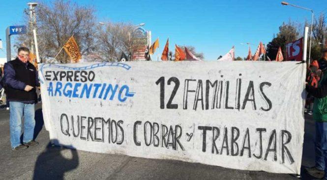 Luego de acampar por 80 días, empleados de Expreso Argentino se lanzan a cortar rutas