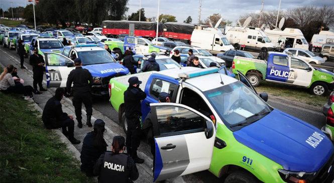 """La APDH expresó su """"más enérgico repudio a las ilegales acciones de presión de la Policía Bonaerense"""""""