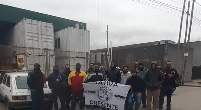 Triunfo de trabajadores de Trento Vidrios: vuelven a sus puestos de trabajo