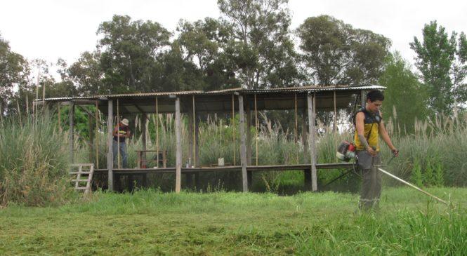 Punta Querandí: jornada de construcción bajo la lluvia