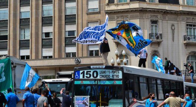 17 de Octubre: Multitudinarias caravanas en todo el país