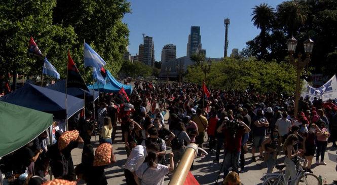 Movilizaciones en Entre Ríos y Palermo en apoyo de Dolores Etchevehere en la disputa con su familia