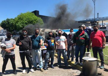 Trabajadores de Plusmar reclaman pago de salarios