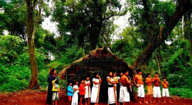Participación de comunidades mbyá guaraní de Iguazú en el turismo cultural indígena