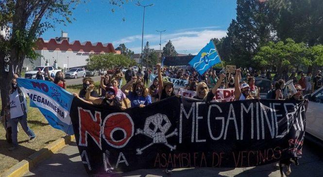 Chubut: más de mil firmas de académicos y docentes en apoyo a la Segunda Iniciativa Popular contra la megaminería