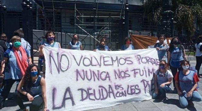"""Docentes de Ciudad de Buenos Aires: """"Larreta y Acuña nos exponen al COVID"""""""