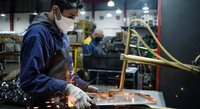 A pesar del incipiente rebote económico, sigue alto el nivel de suspensiones y se contrajo el empleo
