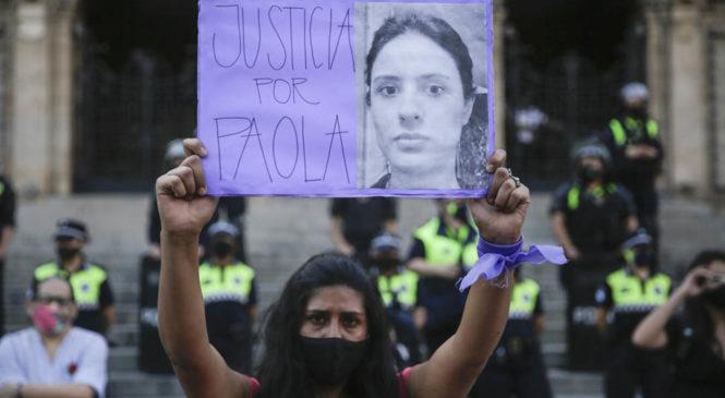 Juntan firmas para impedir la renuncia del juez que había desestimado denuncias de la docente asesinada