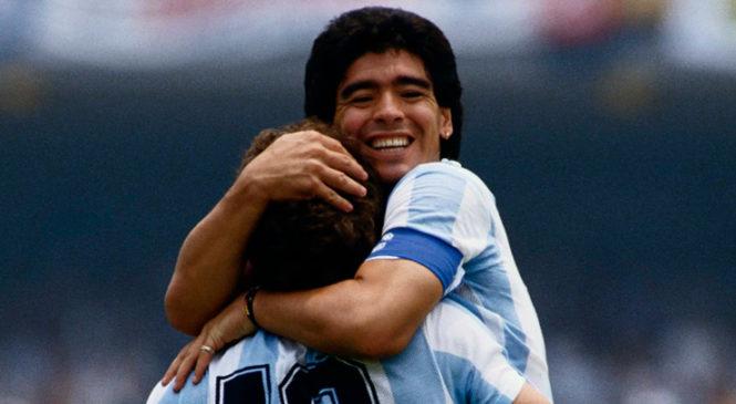 Inmenso dolor popular por el fallecimiento de Diego Armando Maradona