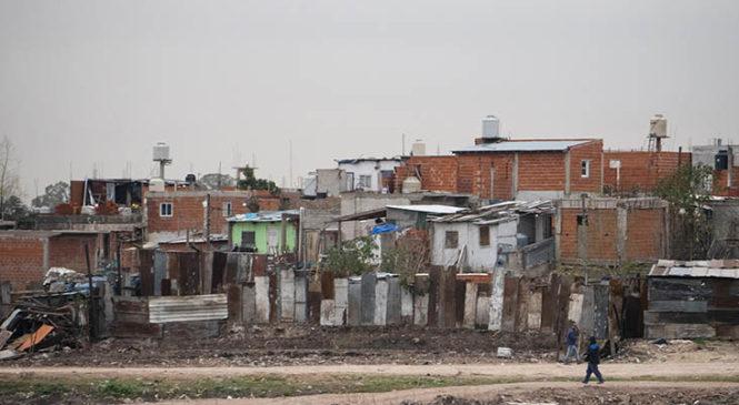 Cada vez más pobreza: en el cuarto trimestre llega al 43,1%